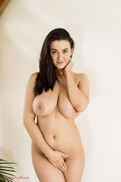 Joey Fisher, фотосет Banana от студии Hayleys Secret